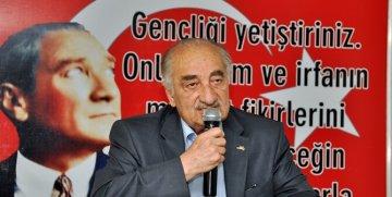 """GAZETECİ TURAN TUĞLU FEN LİSESİ ÖĞRENCİLERİNE """"OKUMAYI"""" ANLATTI"""