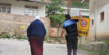 GÜMÜŞHANE POLİSİNDEN ÖRNEK DAVRANIŞ