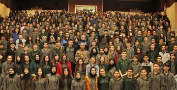 GÜMÜŞHANE İL EMNİYET MÜDÜRÜ KARATAŞ 400 ÖĞRENCİ İLE SOHBET ETTİ